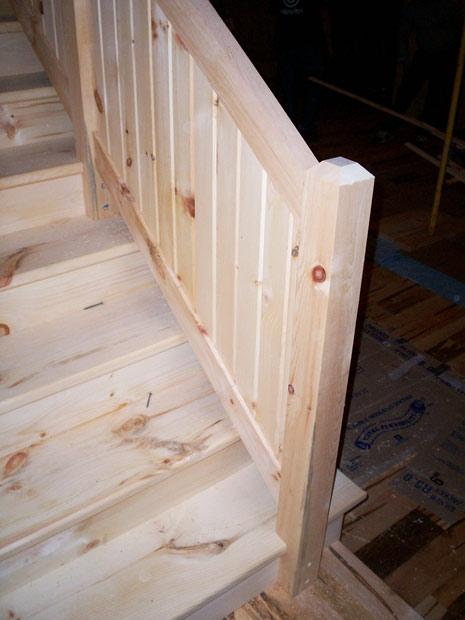Hand Crafted Solid Pine Straight Staircase: Cowell