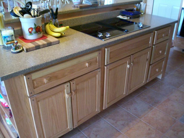 Hand Crafted Soild Oak Kitchen Cabinets: Grove