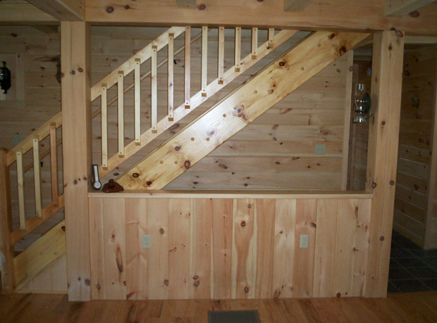 Hand Crafted Solid Pine Straight Staircase: Grove