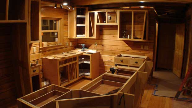 Hand Crafted Solid Wood Hickory: Kitchen In Process of ReedBuild