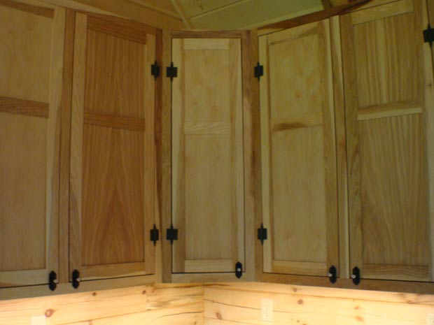 Handcrafted Soild Wood Hickory Kitchen Cabinets: Wall Cabinet Detail