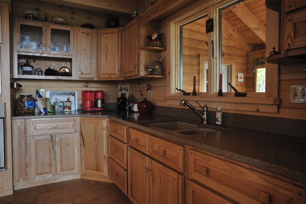 Hand Crafted Solid Oak Kitchen Cabinets: Grove
