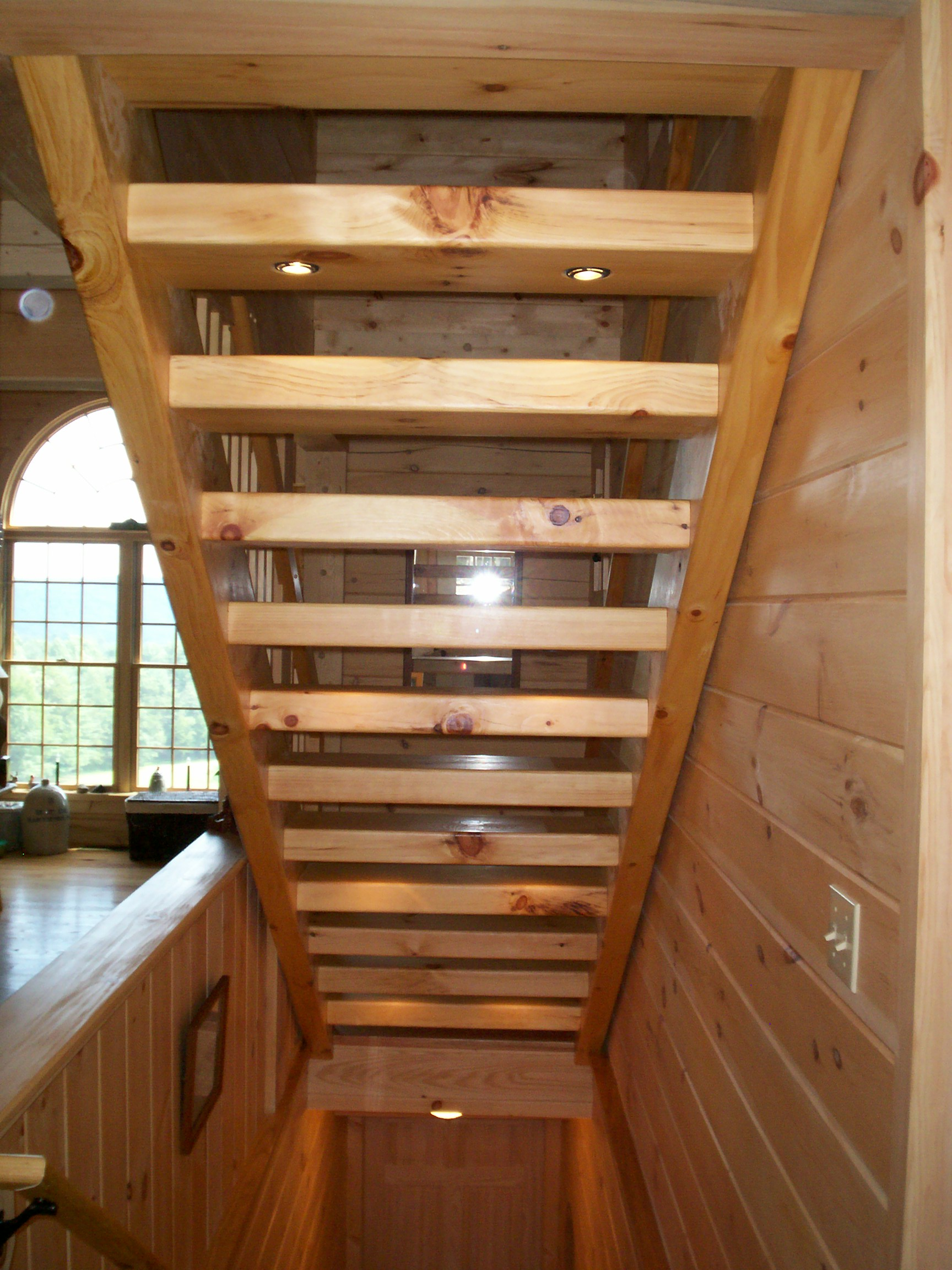 Hand Crafted Solid Pine/Oak Straight Staircase