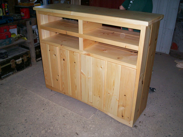 Hand Crafted Solid Pine Entertainment Center: Volk